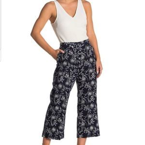 Caslon Linen Print Crop Pants Flat Front Waist